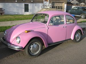 Pink_VW_Beetle_(2490867150)