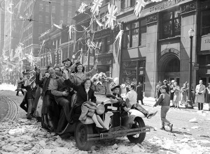 VE_Day_celebrations_on_Bay_Street_1945