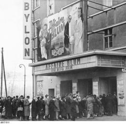 Babylon cinema, Berlin, 1948. Bundesarchiv, Bild 183-1984-0517-511 / Heilig, Walter / CC-BY-SA 3.0
