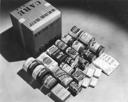CARE package, 1948. Bundesarchiv, Bild 183-S1207-502 / CC-BY-SA