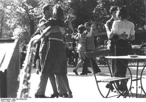 Berlin, Tanz im Freien